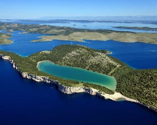 Salt lake on Dugi otok catamaran rent croatia-catamaran holidays- catamarancity- catamaran hire-croatia catamaran- lagoon catamaran-sunreef catamaran-crewed catamaran-catamaran charter