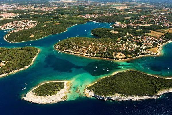 istria 1 catamaran rent croatia-catamaran holidays- catamarancity- catamaran hire-croatia catamaran- lagoon catamaran-sunreef catamaran-crewed catamaran-catamaran charter