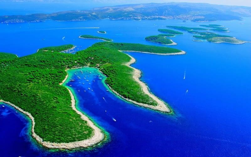 Palmizana pakleni catamaran charter Croatia Catamaran rent Croatia skippered yacht cruise sailboat multihull vessel sailing holidays Adriatic