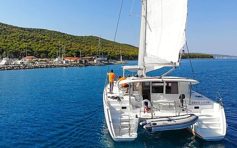 catamaran rent croatia for charter in a rental boat charters sailboat rentals catamarans katamaran renting dalmatia hire holiday sailing skipper yacht cruise skippered luxury private yachts crewed split dubrovnik adriatic miditerrrean kočula lagoon sunreef fountain pajot catana bali leopard multihull vessel