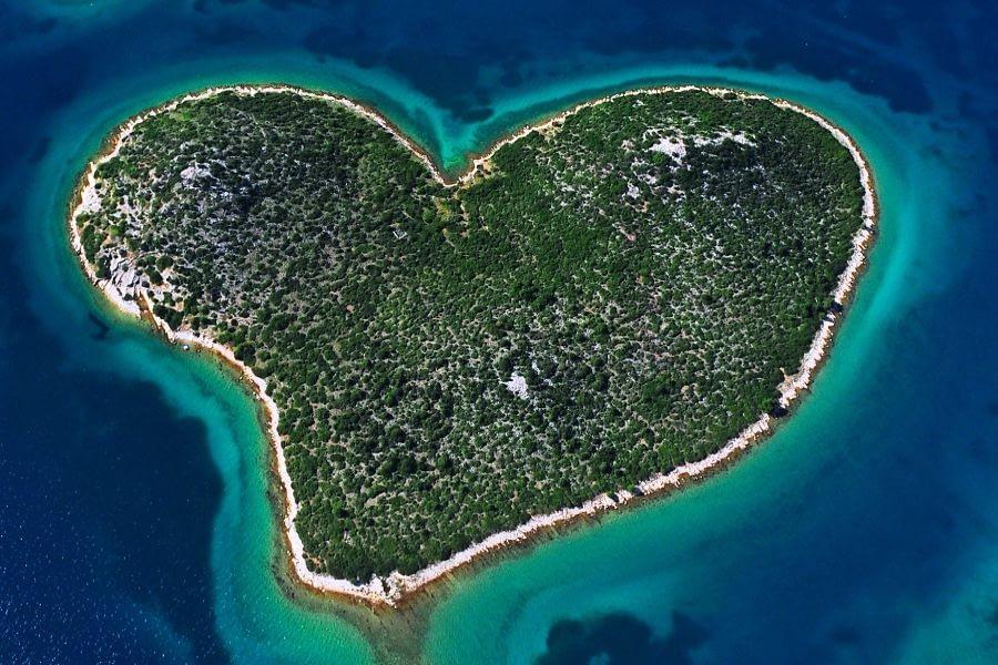 Island Pašman catamaran rent croatia-catamaran holidays- catamarancity- catamaran hire-croatia catamaran- lagoon catamaran-sunreef catamaran-crewed catamaran-catamaran charter