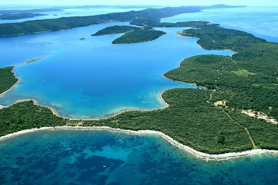 dugi-otok catamaran rent croatia-catamaran holidays- catamarancity- catamaran hire-croatia catamaran- lagoon catamaran-sunreef catamaran-crewed catamaran-catamaran charter