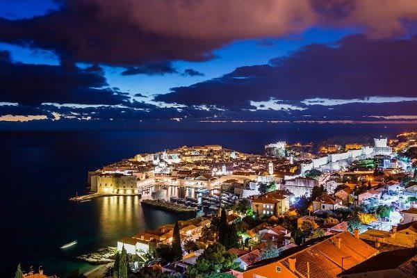 dubrovnik night life catamaran rent croatia-catamaran holidays- catamarancity- catamaran hire-croatia catamaran- lagoon catamaran-sunreef catamaran-crewed catamaran-catamaran charter